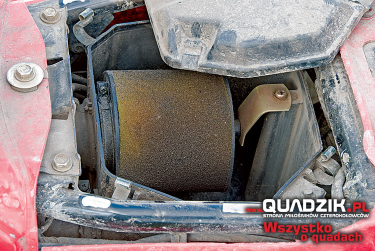 Nie zapominajmy ocenić stanu airboxa i filtra powietrza. Kontrola tych elementów pokaże czy obecny właściciel dbał o pojazd.