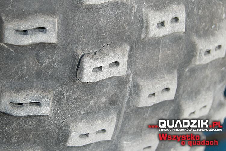 Sprawdźmy, czy opony nie są zbyt mocno zużyte lub mają ukryte uszkodzenia.